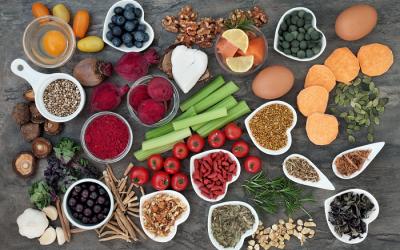 Los 5 grupos claves de alimentos que debes tener en cuenta para potenciar tu rendimiento cognitivo